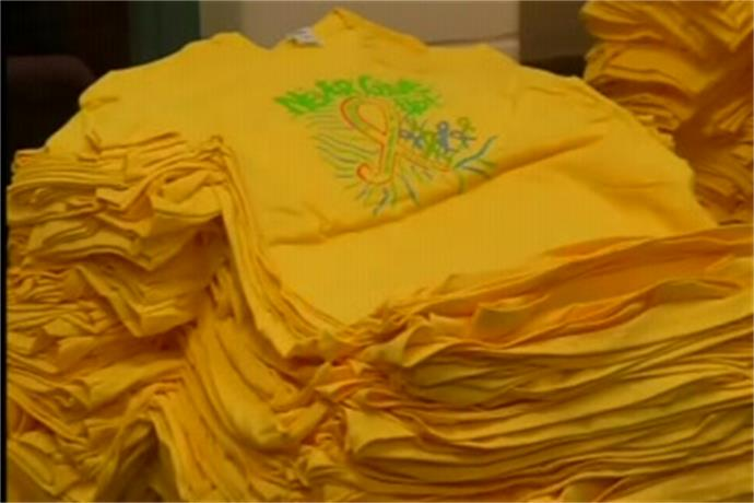 Students wear yellow to sting cancer_647338565567071816