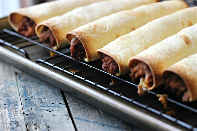 Chicken and Bean Taquitos _1471154979218407903