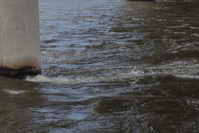 Fast moving rising waters on the Fox River_-2282537408958938069
