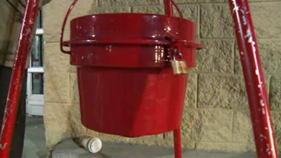 -10-000-in-Salvation-Army-kettle-jpg_20151201112304-159532