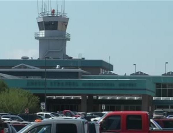 Air Emergency at Austin Straubel Airport_8071051449165694725