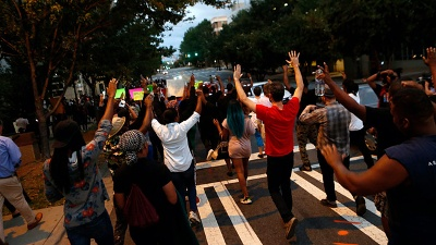 Charlotte-protesters-second-night-jpg_20160923161535-159532