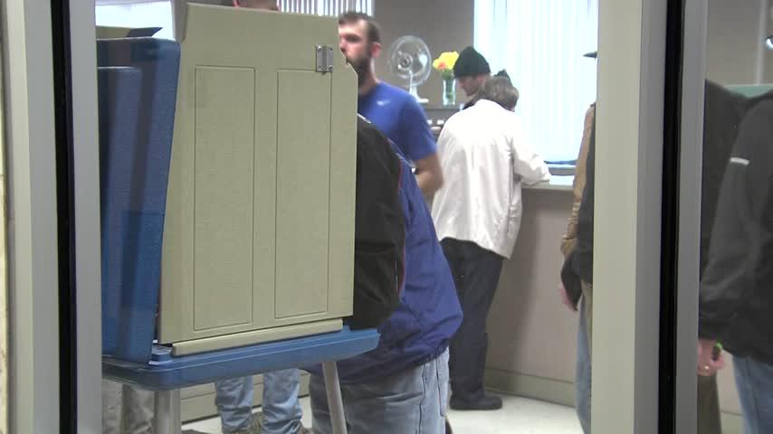 Early Voting Begins in Green Bay_66302067-159532