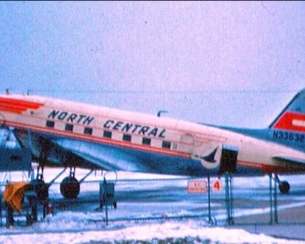 North Central Airlines plane returns to Wisconsin