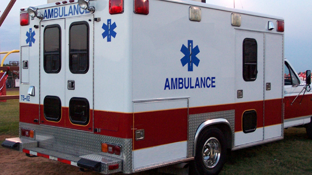 Ambulance generic red and white06670407-159532