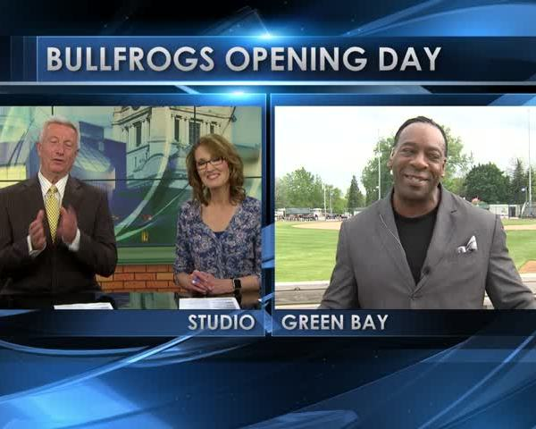 Professional Wrestler Booker T Celebrates Bullfrogs' Openin
