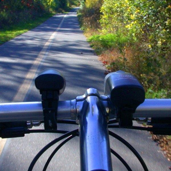 bike bicycle handlebars on path26663103-159532