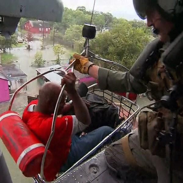 Harvey rescue video CNN PKG-159532.jpg36334091