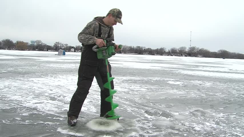 Ice Conditions in northeast Wisconsin_27846520