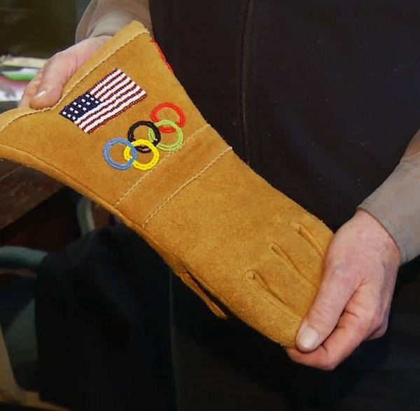 Team_USA_gloves_made_in_Gloversville_0_20180210175017-54729046