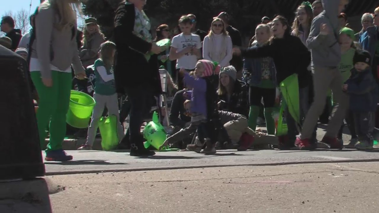 People fill the streets in New London for the New Dublin Irish Fest