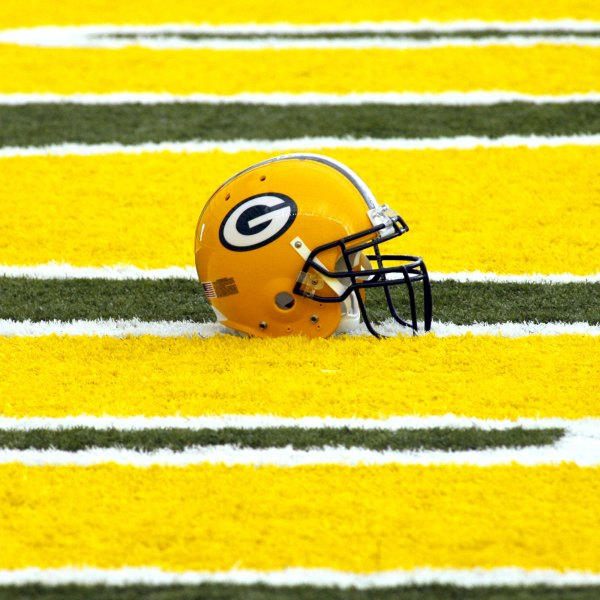 57521664DH031_packers_camp_1524181337361
