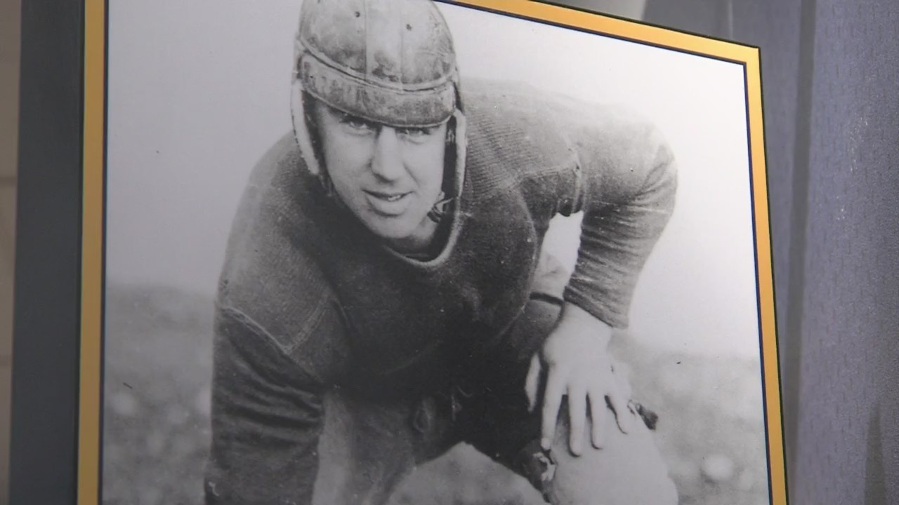 Packers Hall of Fame celebrates 100 Seasons with new exhibit