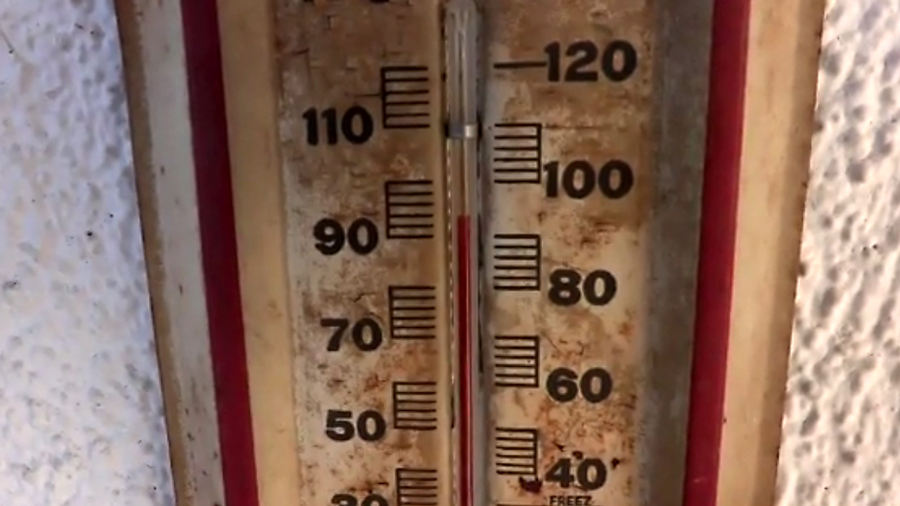 hot thermometer75267437-159532