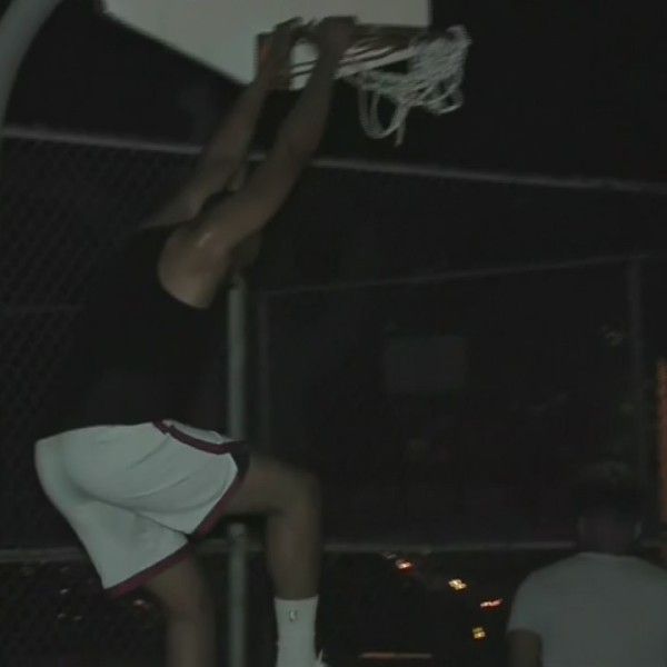 Jabari_Parker_plays_pick_up_basketball_i_0_20180713233149