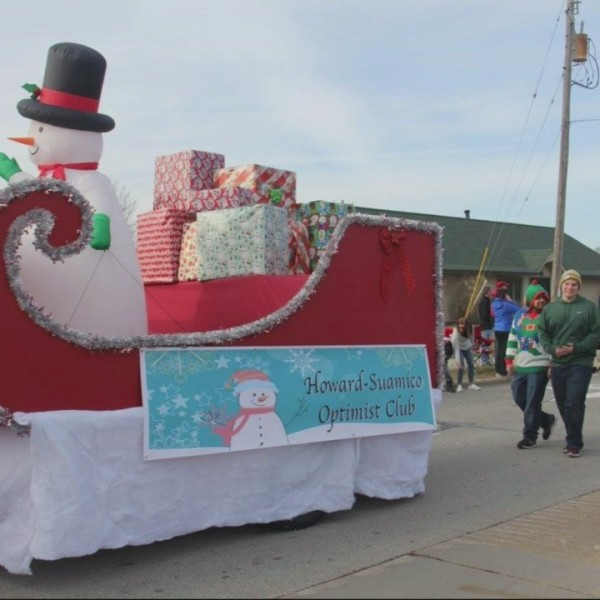 Howard-Suamico Christmas Parade and Breakfast with Santa