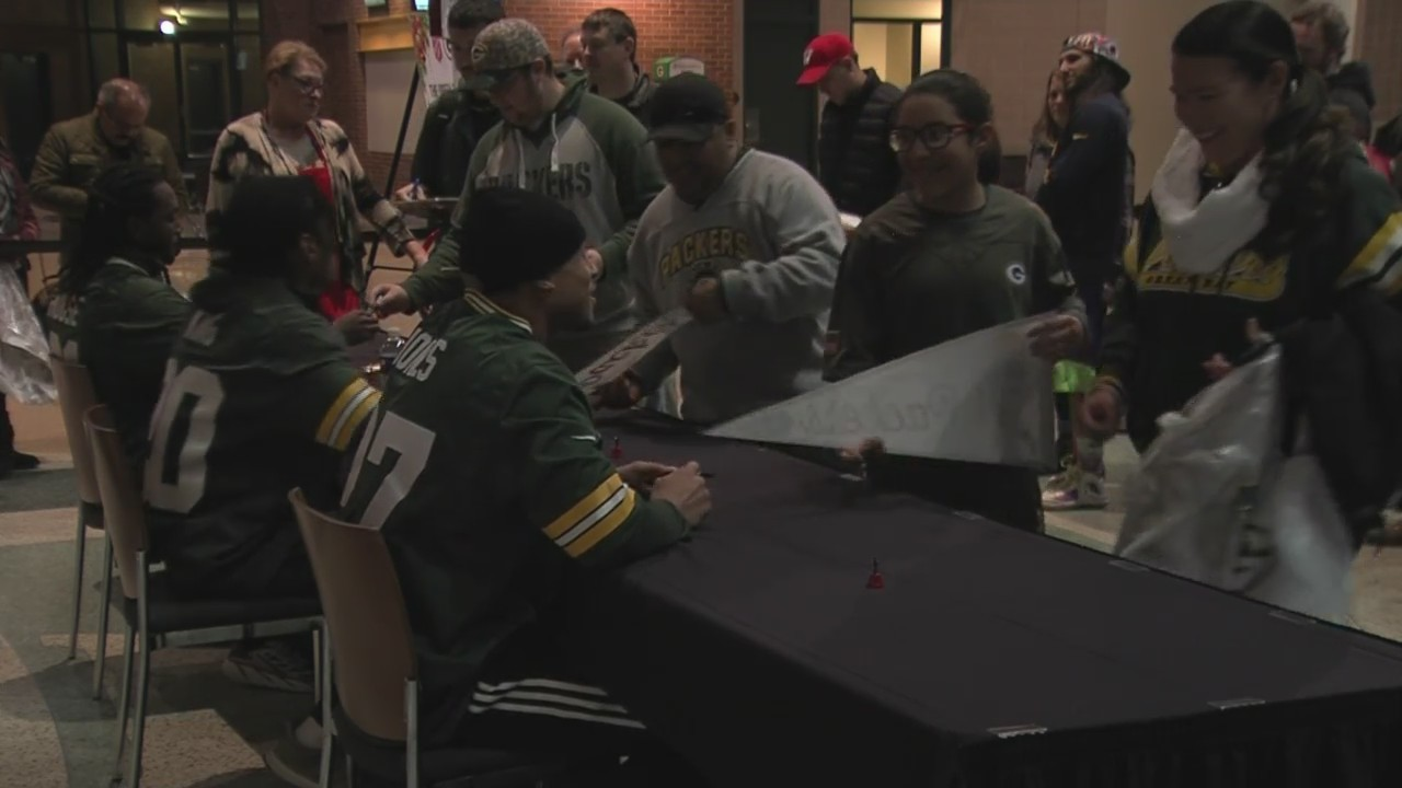 Packers_Autographs_for_Christmas_Campaig_0_20181119133155