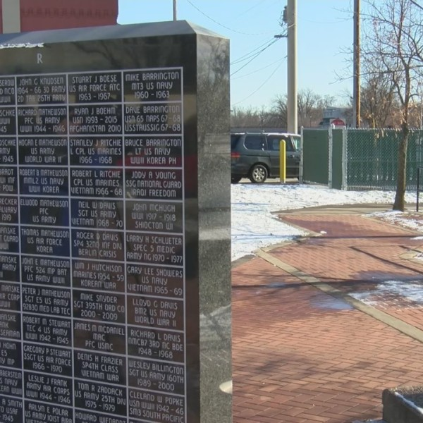 Veterans Groups Protest Garbage Site Next to Memorial