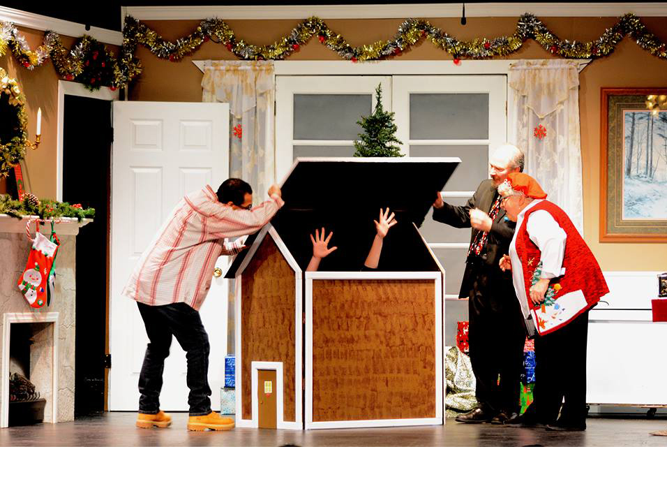 Machickanee Players A Wizard's Christmas photo_1544110631508.jpg.jpg