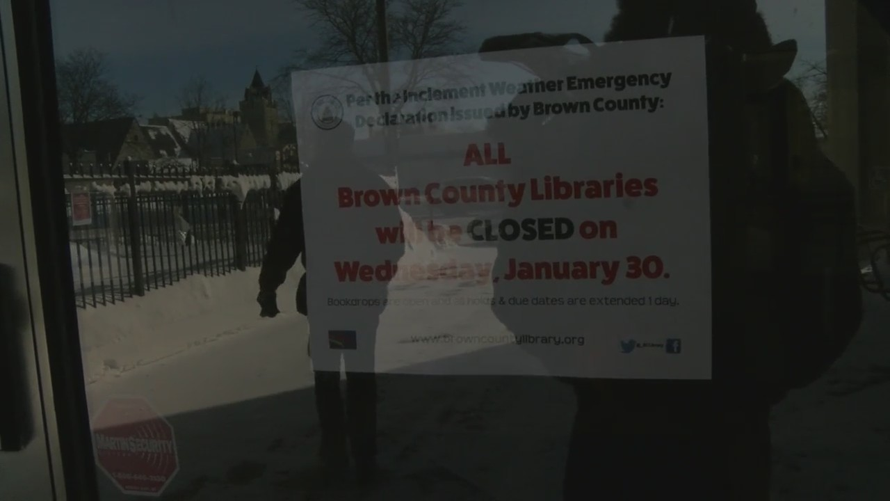 Bitter_Cold_Causes_Hundreds_of_Closings__9_20190131000438