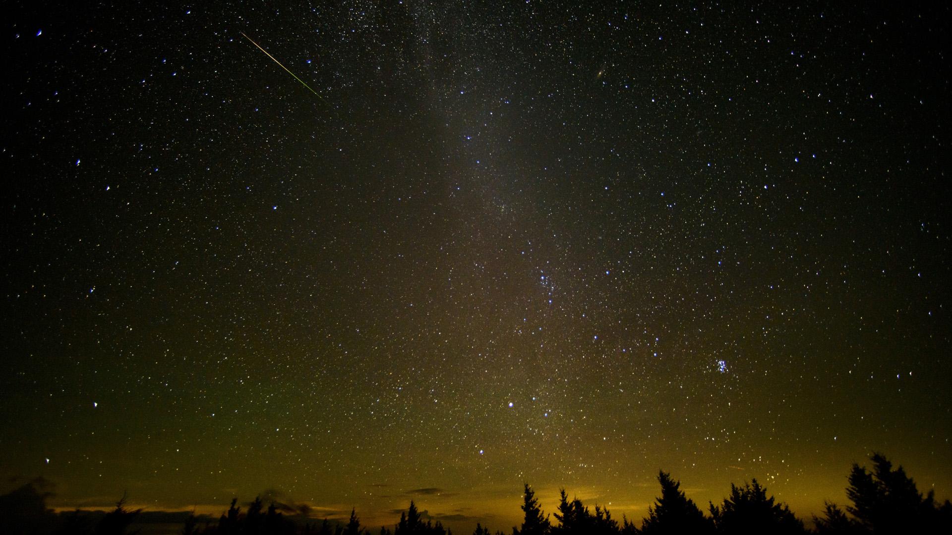 Meteor shower, stars, night sky, Perseid in Spruce Knob, West Virginia86428890-159532