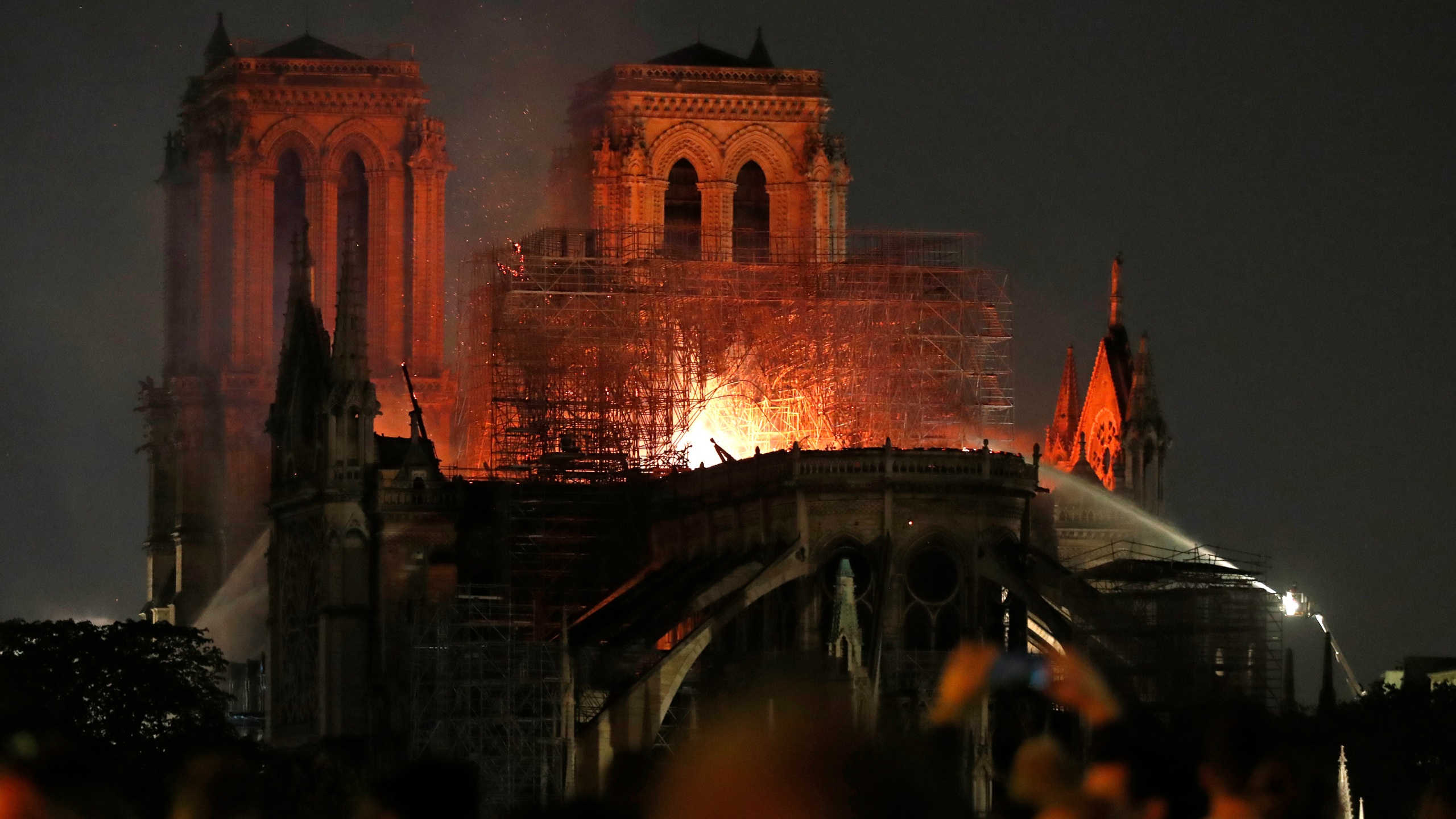 France Notre Dame Fire_1555379932706