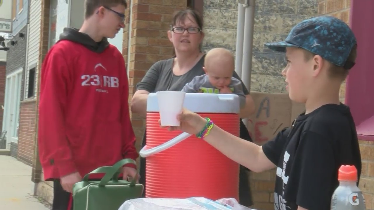 Seymour Locals Raise Money for Victims
