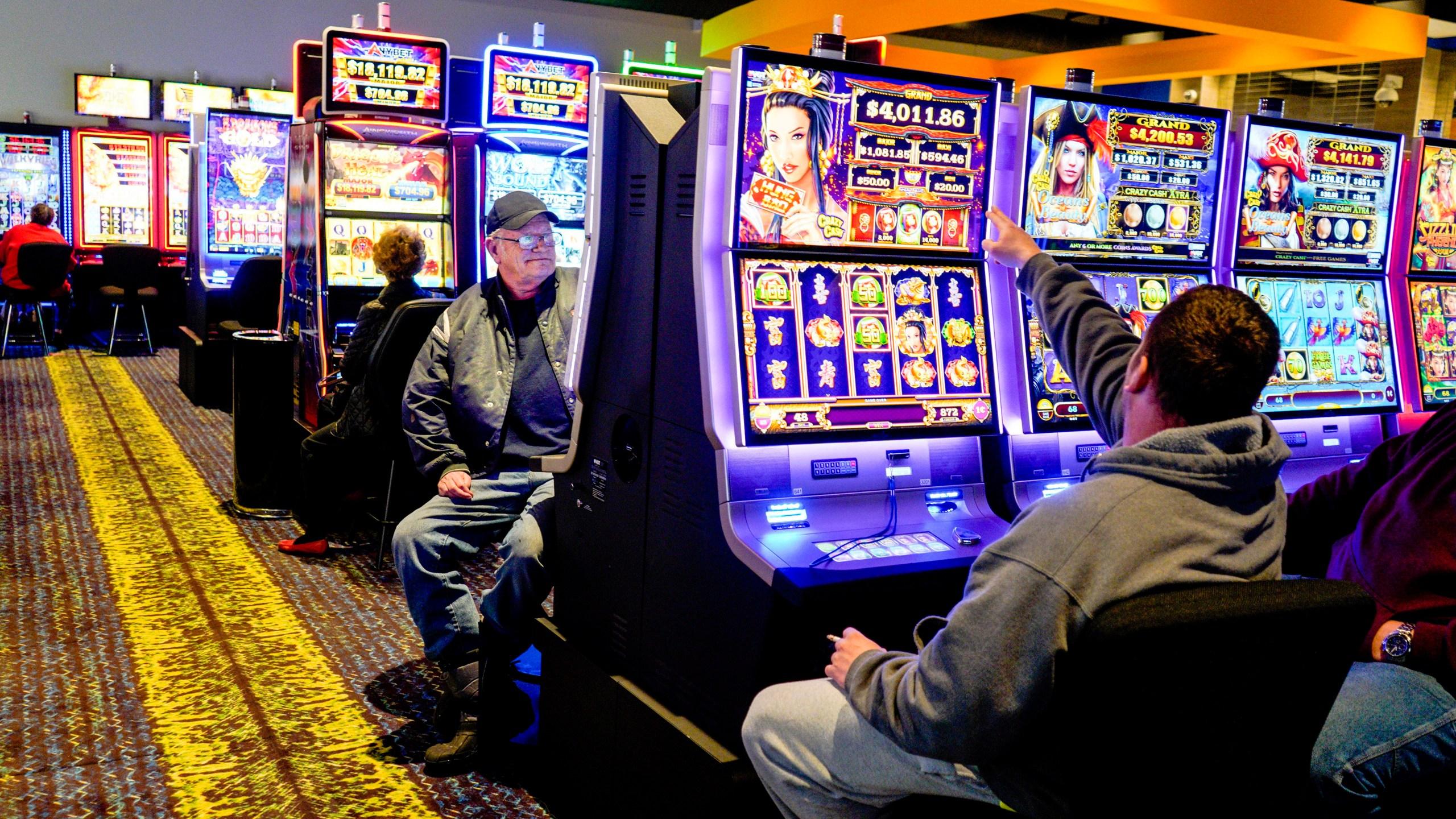 Tribal_Casino_Fight_32514-159532.jpg12041884