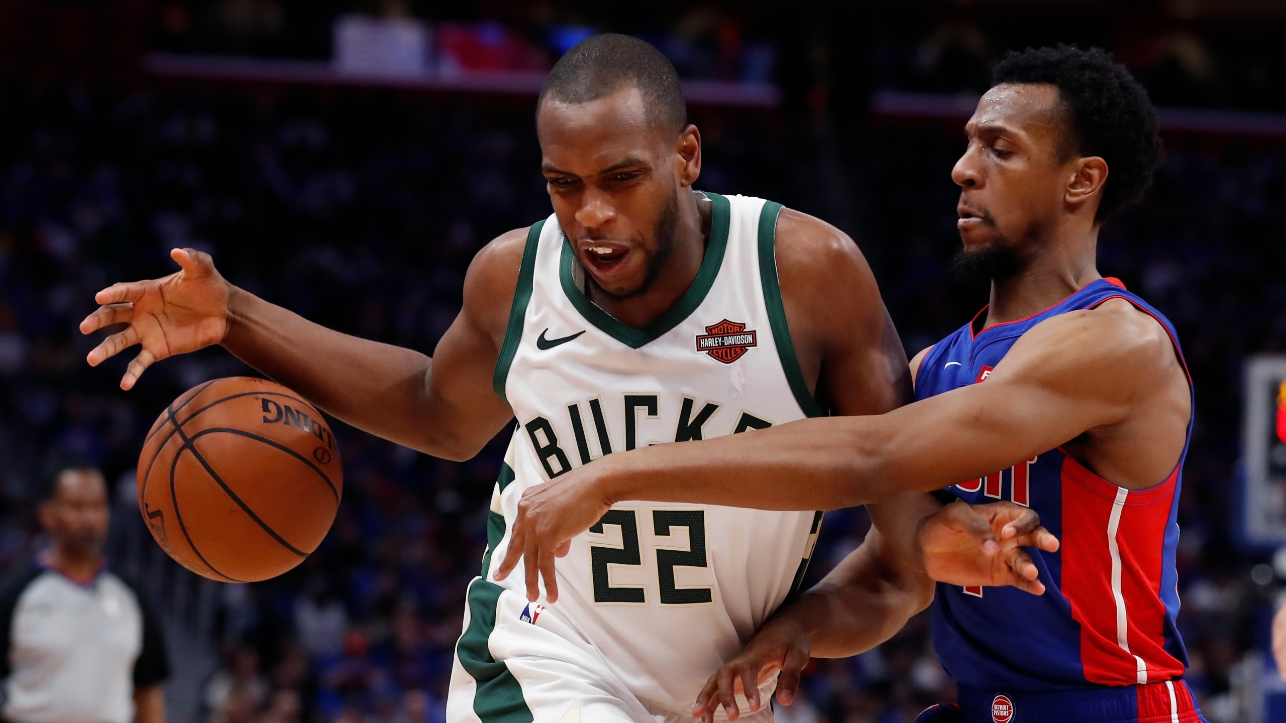 Bucks Beat Pistons to Take 3-0 Lead