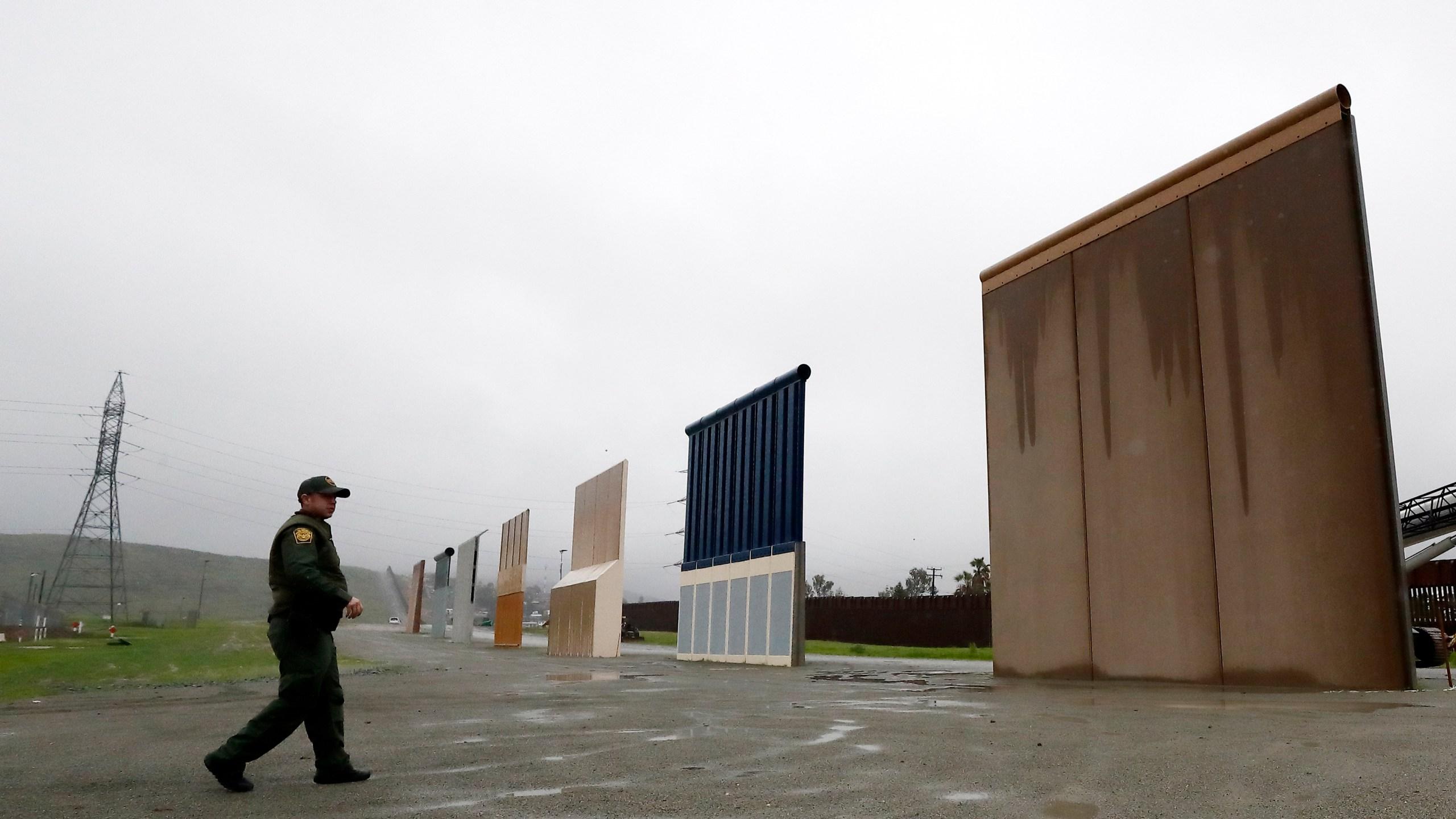 Border_Wall_Prototype_37134-159532.jpg73953548