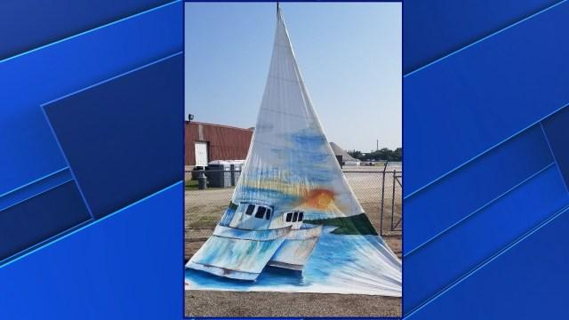 Sturgeon Bay High School art program earns scholarship thanks to painted sail