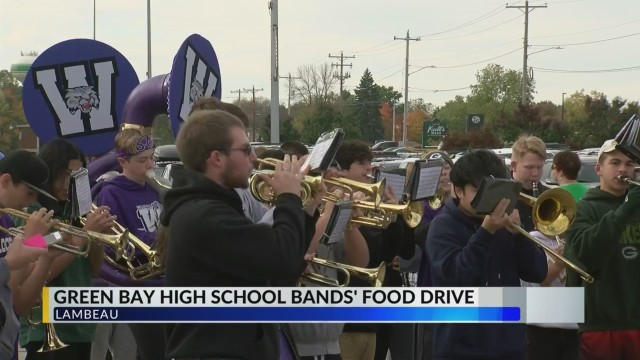 Green Bay high school bands drum up donations during food drive