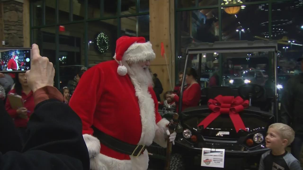 Santa S Wonderland Event At Cabela S Brings Holiday Cheer Wfrv Local 5 Green Bay Appleton