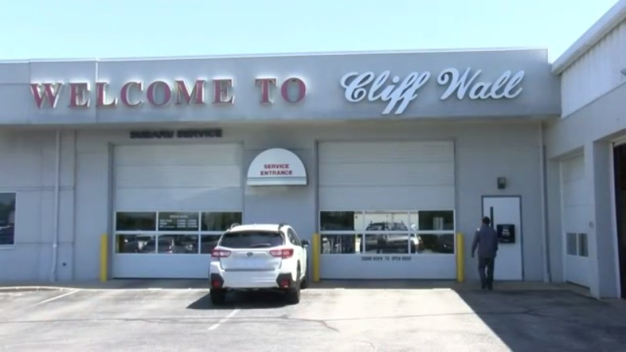 Green Bay's Cliff Wall Automotive sold to Bergstrom Automotive