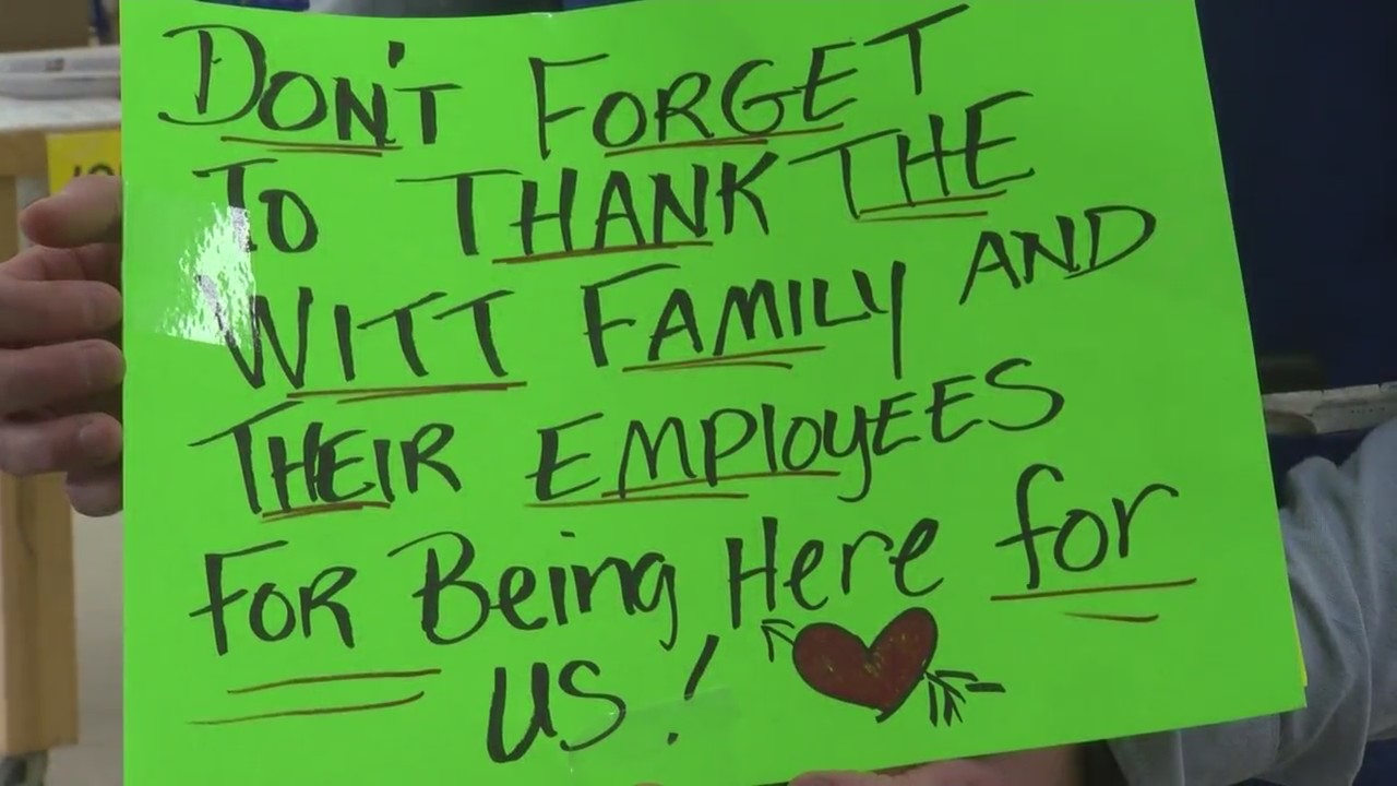 Anonymous Signs Of Kindness Appear In Oconto Falls