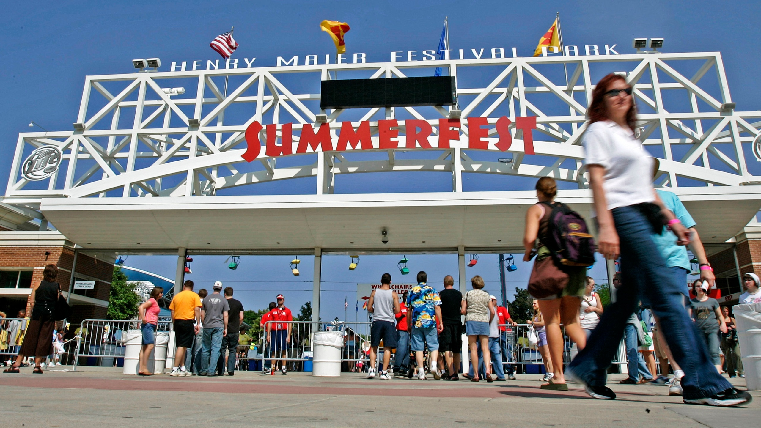 Summerfest to require vaccine or negative test