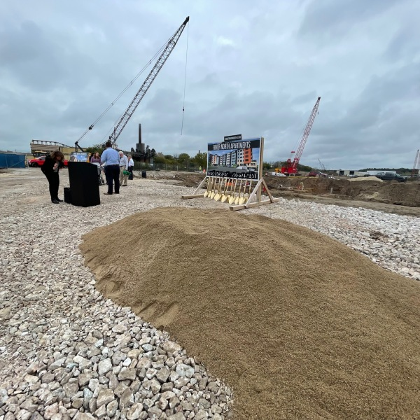 A groundbreaking happened Oct. 13, 2021, for the new River North apartments near downtown Manitowoc. (WFRV)