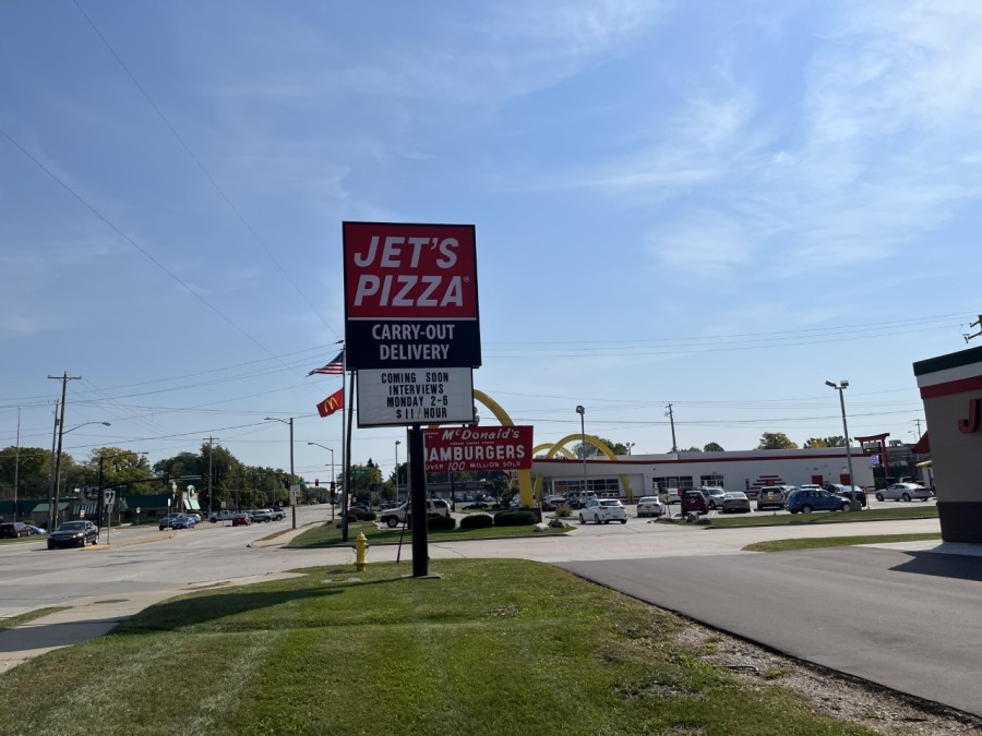 Green Bay's first Jet's Pizza opening 'soon', offering open interviews